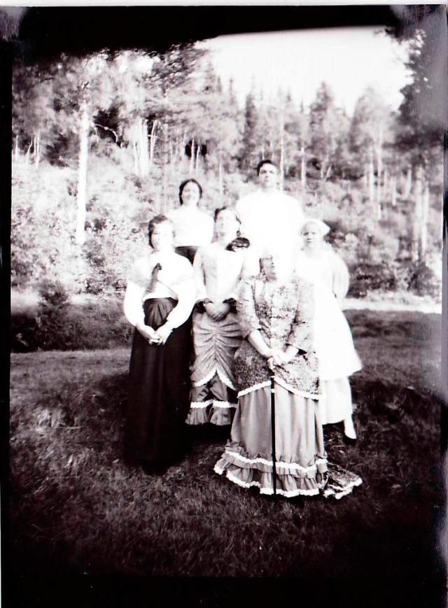 BARE SOLEN ER DITT VITNE (2013): (The Sun is your witness). Larp set in 1895. Photo: Kjetil Raaen.